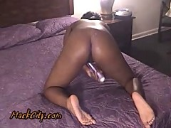 Chocolate pussy poppin at hotel.