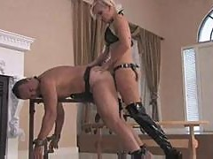 Mistress sklyer every inch strapon